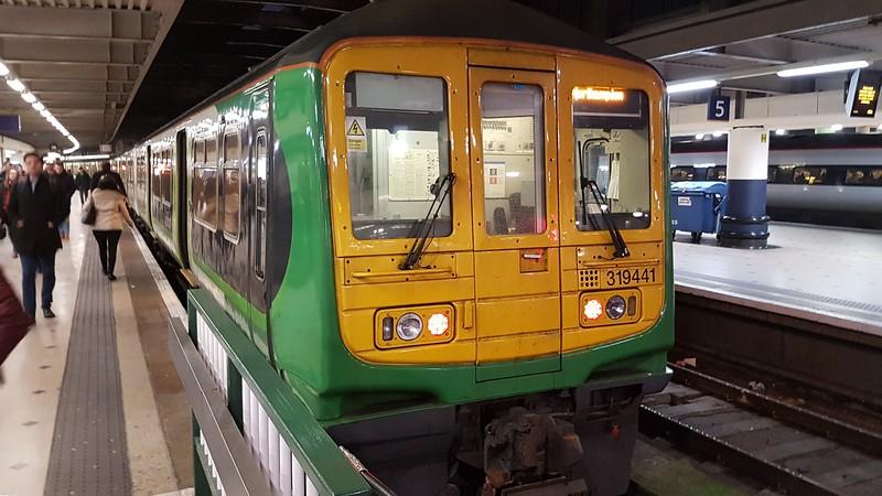 London Northwestern Railway Class 319 no. 319441 at London Euston on the 17:05 to Milton Keynes, despite saying Northampton on the blind, 09.01.2018.
