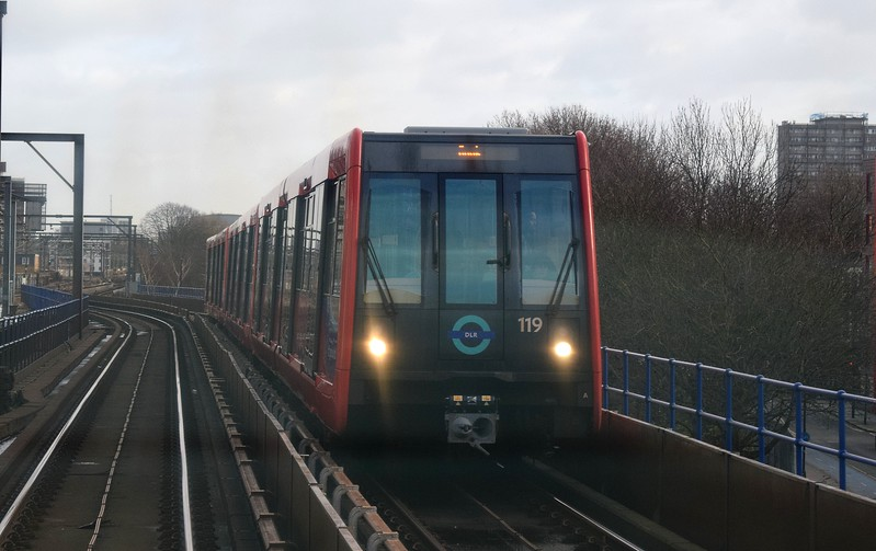 Docklands Light Railway B09 Stock no. 119 near Shadwell on a Bank service, 03.01.2018.