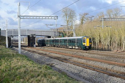 18 January 2018 :: 387 173 is at Lower Basildon working train 2P52, the 1403 from Didcot Parkway to Paddington