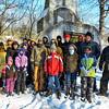MET 010118 Family Hikers