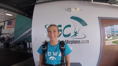 1334 Katherine Williams Skydive at Chicagoland Skydiving Center 20180704 Chris Jo
