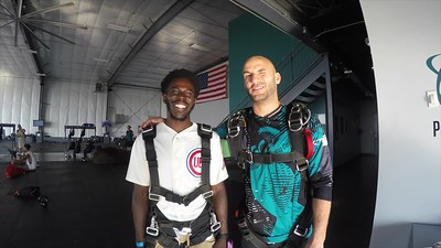 1834 Cortez Wallace Skydive at Chicagoland Skydiving Center 20180713 Hops Jo