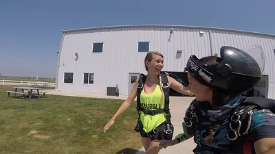 1511 Jessica Faley Skydive at Chicagoland Skydiving Center 20180713 Amy Amy