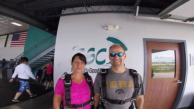1228 Deanna Pitkin Skydive at Chicagoland Skydiving Center 20180719 Chris Chris