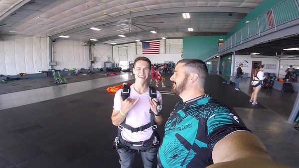 1319 Robert Duncan Skydive at Chicagoland Skydiving Center 20180721 Tim Tim
