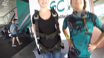 1422 Hannah Blumhoff Skydive at Chicagoland Skydiving Center 20180723 Amy Chris