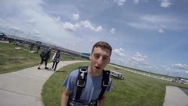 1252 Gabriel Broshy Skydive at Chicagoland Skydiving Center 20180728 Cody Cody