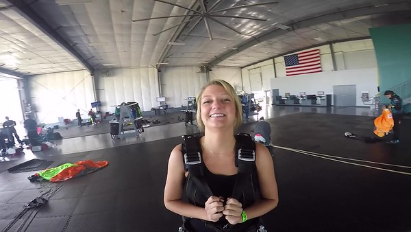 0914 Katie Berleth Skydive at Chicagoland Skydiving Center 20180728 Coduy Cody