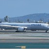 United Airlines Boeing 787 Dreamliner N27964 at Los Angeles International Airport, 06.07.2018.
