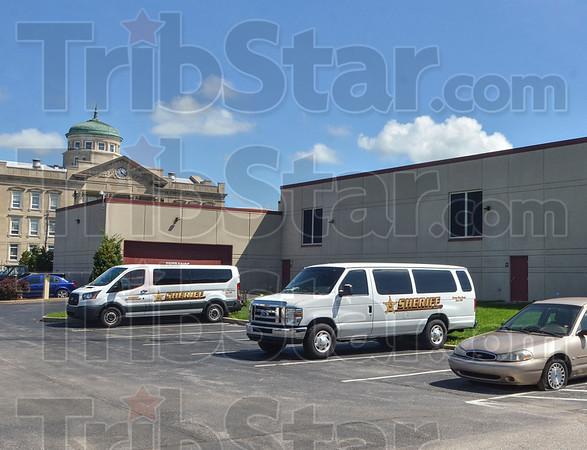 MET 062818 CCJC Vans