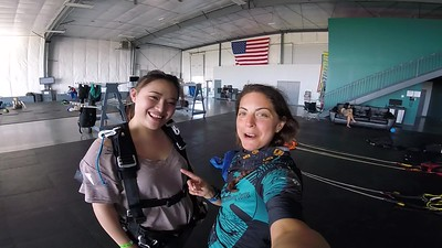 1857 Xiduo Huang Skydive at Chicagoland Skydiving Center 20180604 Amy Amy