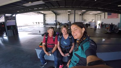 1201 Eileen Holesinger Skydive at Chicagoland Skydiving Center 20180607 Amy Amy