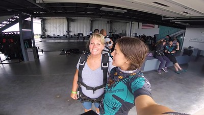 1405 Amy Graff Skydive at Chicagoland Skydiving Center 20180609 Tim Tim