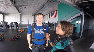1715 Tom Blaxand Skydive at Chicagoland Skydiving Center 20180615 Amy  Amy