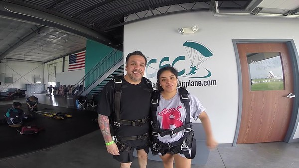 1640 Amaris Hernandez  Skydive at Chicagoland Skydiving Center 20180617 Jo Jo