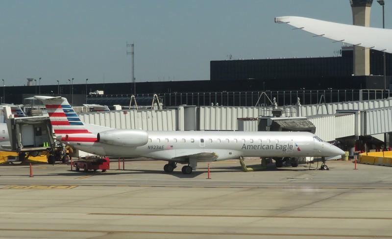 Envoy (American Eagle) Embraer ERJ-145 N923AE at Chicago O'Haire, 29.06.2018.