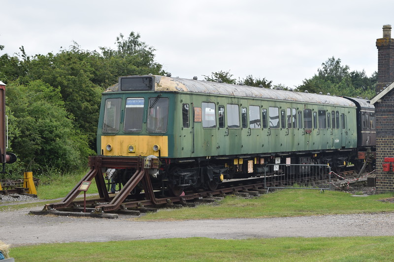 """Class 115 DMU nos. 51886+59761+51889 """"Aylesbury College Silver Jubilee 1987"""" at the Buckinghamshire Railway Centre, 10.06.2018."""