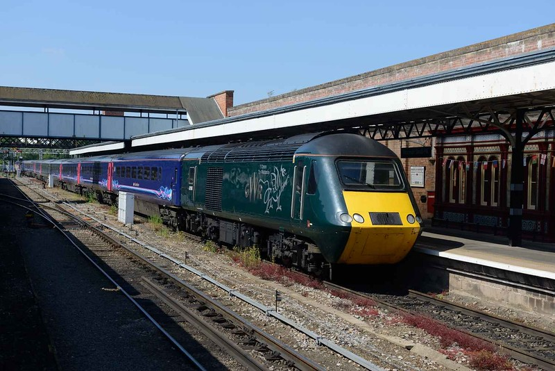 """28 June 2018 :: 43188 """"The Welshman"""" is arriving at Worcester Shrub Hill leading 1P37, the 1551 from Worcester Forgate Street to Paddington"""