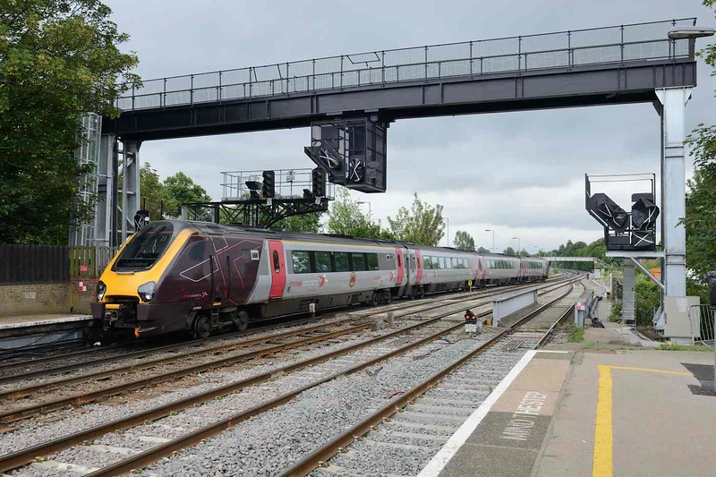 12 June 2018 :: Cross Country voyager 220 009 with a special scout association logo passes under the new signal gantry at Oxford Station while running 1O14, the 1027 from Manchester Piccadilly to Bournemouth