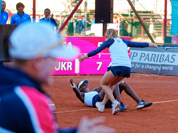 01.01f Happy after winning final - Team USA - Junior Davis and Fed Cup Finals 2018
