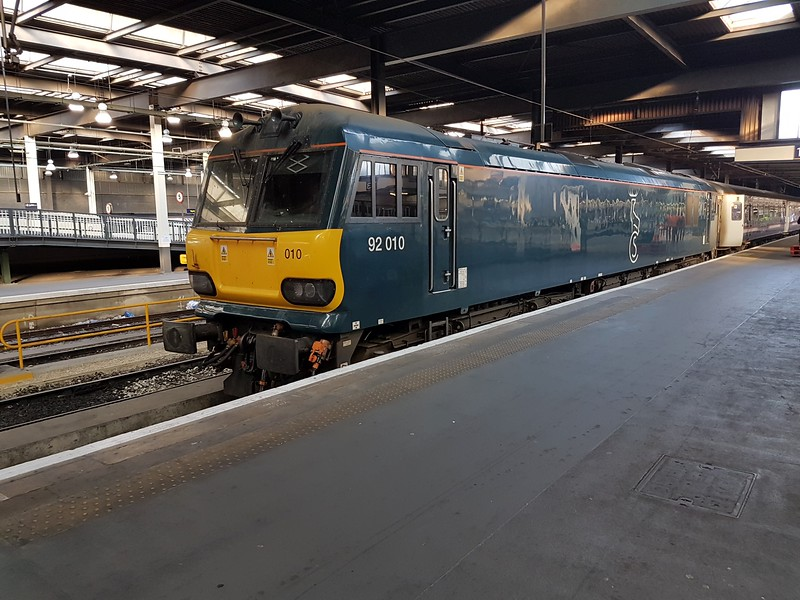 92010 ex 1M16 Inverness sleeper at Euston