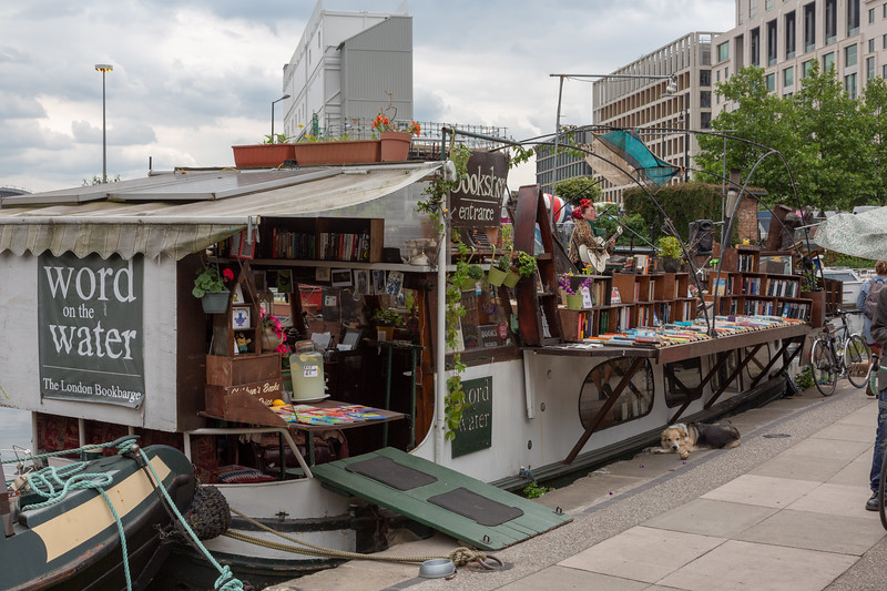 The London Bookbarge, Regent's Canal towpath