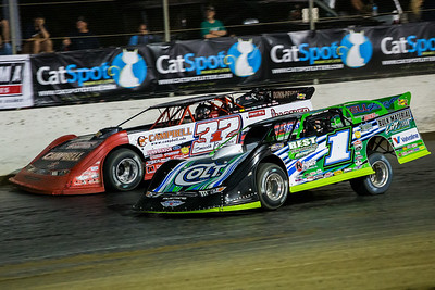 Josh Richards (1) and Bobby Pierce (32)