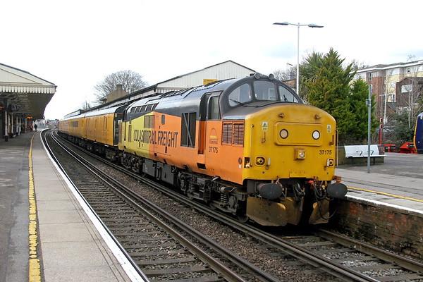 37175 Basingstoke 15/03/18 1Q54 Eastleigh to Tonbridge