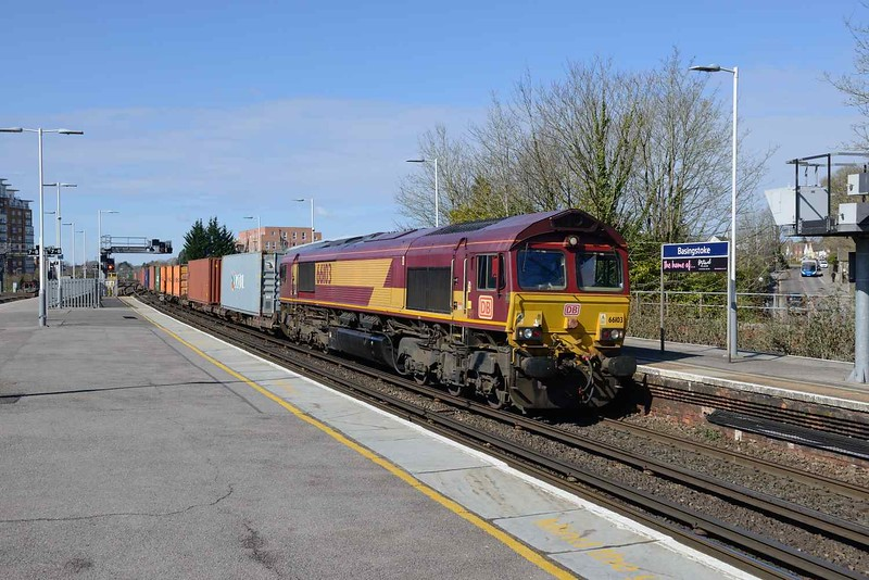 26 March 2018 :: At Basingstoke is 66103 working 4M71 from Southampton to Birch Coppice