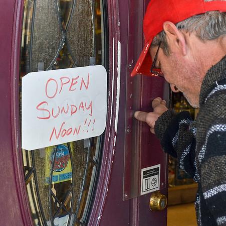 MET 030418 John Fox door
