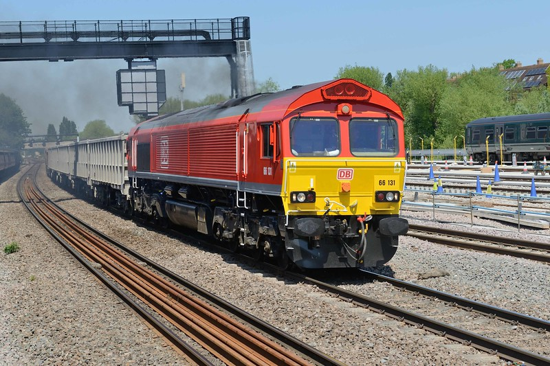 15 May 2018 :: 66131 is seen passing Oxford North Junction with 6C58 from Banbury Toad Oxford to Whatley