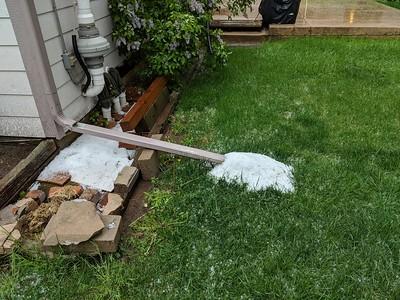Impressive hail buildup