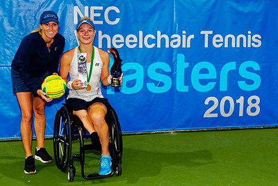 04b Diede de Groot and coach Amanda - NEC Wheelchair Tennis Masters 2018