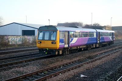 142087 passes Pelaw heading for Newcastle    27/12/18