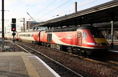 43317 1218/1E11 Aberdeen-Kings Cross at Newcastle   27/12/18