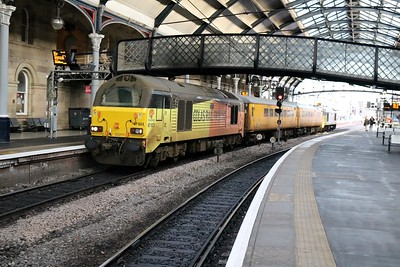 67023 'Stella' tnt 67027 'Charlotte'  pass through Newcastle at 1237/1Q02 Heaton-Derby test train    27/12/18