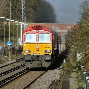 30 November 2018 :: 66044 is approaching Winchester with 4O39 from Cowley to Southampton