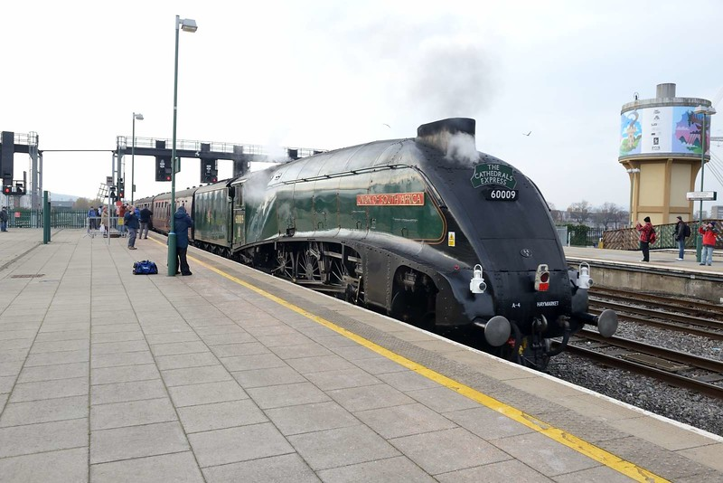22 November 2018 :: LNER A4 Class 4-6-2 no 60009 Union of South Africa  is at Cardiff Central after working The Cathedrals Express 1Z33 from Paddington to Cardiff Central