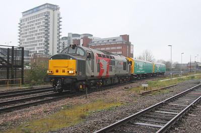 37611 Basingstoke 27/11/18 5M59 Eastleigh to Leicester with Arlington Barriers 68501 and 68504