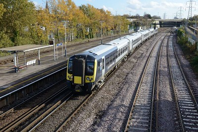 13 November 2018 :: Newly released in South Western Railway livery is 444 040 passing Millbrook with 1W61, the 1005 from Waterloo to Weymouth