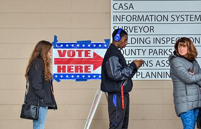 MET 110518 Vote Here Line