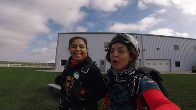 1221 Mehwish Mohammad Skydive at Chicagoland Skydiving Center 20181013 Amy Amy