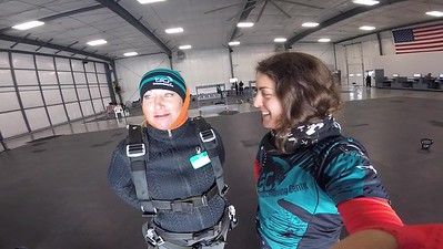 1553 Tracey Sites Skydive at Chicagoland Skydiving Center 20181013 Amy Amy