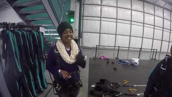 1638 Valerie Hawkins Skydive at Chicagoland Skydiving Center 20181021 Kermit Kermit