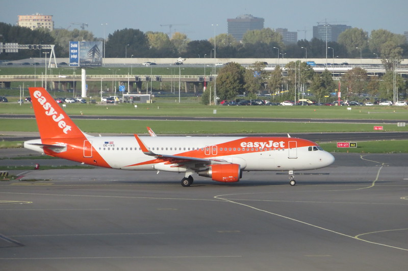 EasyJet Airbus A320 OE-IVS arriving at Amsterdam Schiphol with a flight from Manchester, 03.10.2018.
