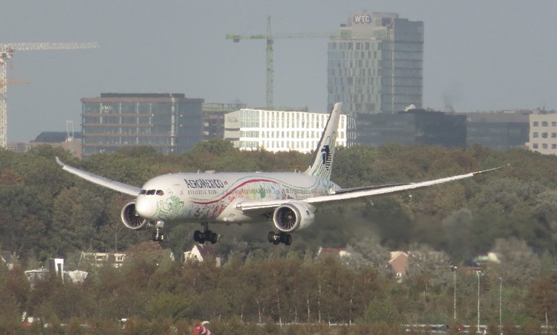 AeroMexico Boeing 787 Dreamliner XA-ADL landing at Amsterdam Schiphol Airport with a flight from Mexico City, 03.10.2018.