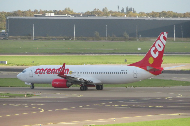 Corendon Boeing 737-800 PH-CDE leaving Amsterdam Schiphol on a flight to Rhodes, 03.10.2018.