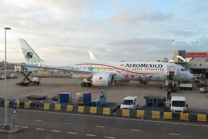 AeroMexico Boeing 787 Dreamliner XA-ADL at Amsterdam Schiphol Airport with a flight from Mexico City, 03.10.2018.