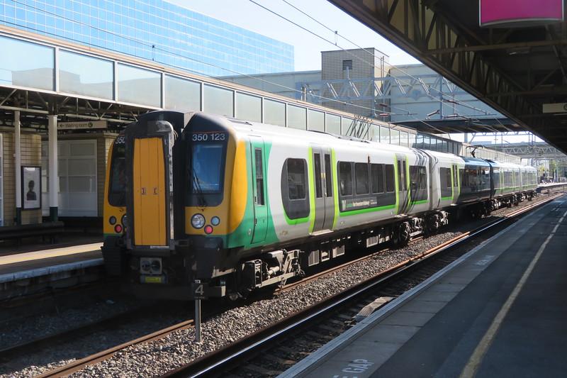 London NorthWestern Railway Class 350 Desiro no. 350123 at Milton Keynes Central on the 11:47 to Euston, 09.10.2018.