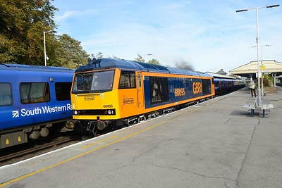 7 October 2018 :: 60095 is pictured passing through the station at Basingstoke working 0Z60 from Eastleigh to Doncaster